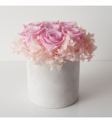 Róże bridal pink z hortensją